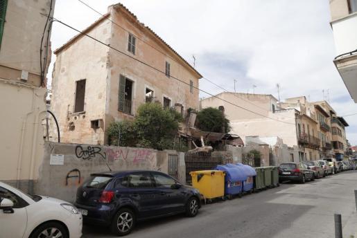 Imagen del edificio, ya en ruinas, que albergaba la antigua discoteca Zhivago.