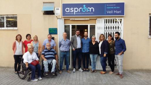 El alcalde de Palma, Antoni Noguera, durante su visita este martes a la asociación Asprom.