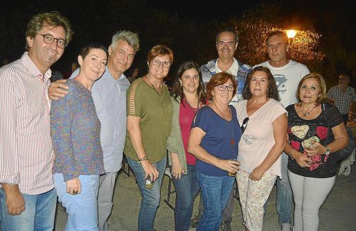 Jaume Rigo, Marga Coll, Alejandro Macià, Merche Vega, Ignacia Pou, Lini Pons, David Martínez, Jaime Martí, Sagrario Hernáez y Marisa Fernández.