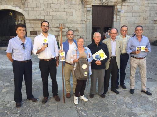 Representantes del culb Rotary en Lluc.