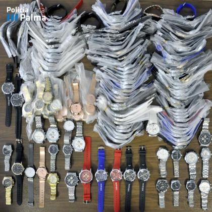 La Policía Local se incauta de 195 relojes falsificados.