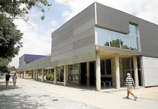 Fachada del Conservatori Superior i Professional, en Palma.