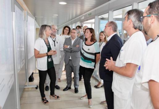 La presidenta del ejecutivo ha visitado las instalaciones del hospital de Inca.