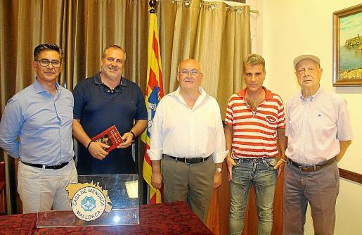 Terio Pons, Benjamín Fluxá, Santiago Amer, Alfons Martí y Eugenio Estellers.