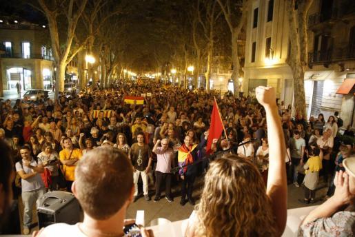 Manifestación en Palma convocada por la Coordinadora d'Entitats per la Democràcia en los días previos al referéndum.