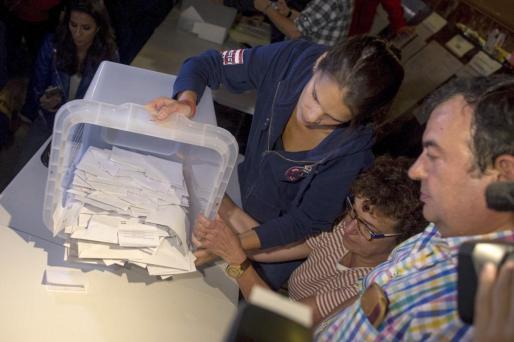 Recuento de votos tras el referéndum del 1-O en Cataluña.