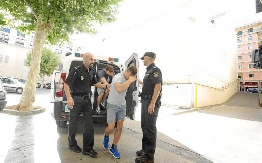 Imagen de una de las detenciones del mismo imputado por amenazas al testigo.