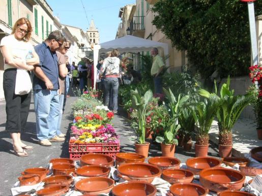 La artesanía ocupa un lugar destacado en la Fira de Sant Joan.