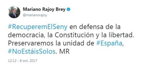 El presidente del Gobierno, Mariano Rajoy, ha querido dejar constancia de su apoyo a la manifestación en Barcelona con un tweet.