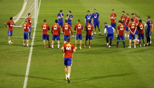 Los jugadores de la selección de España durante un entrenamiento.