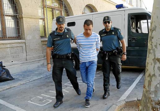 El acusado en el momento de ser puesto a disposición judicial.