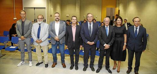 Gerardo Cañellas, Andreu Manresa, Jordi Llabrés, Juan José Montaño, Martí March, Josep Piqué, María Antònia García y Vicente Fenollar, antes de la ceremonia.