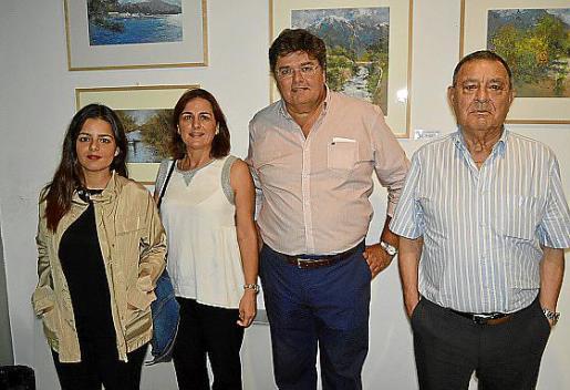 Maria Gual, Fany Bergas, Llorenç Gual y Juan Bergas.