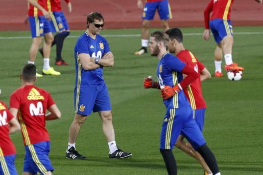 El seleccionador nacional Julen Lopetegui durante un entrenamiento de la selección española.