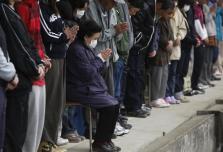 JAPÓN CONMEMORA UN MES DEL TERREMOTO CON UN MINUTO DE SILENCIO
