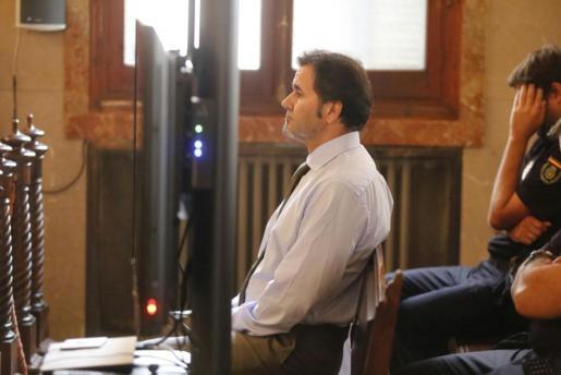 El acusado por el asesinato de Porto Cristo niega haber estado en el bar del crimen.