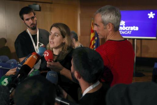 La coordinadora general del PEDeCat, Marta Pascal, atiende a los medios al finalizar reunión extraordinaria del consell nacional de su partido.