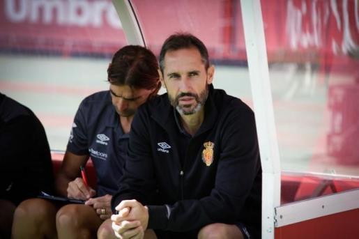 Vicente Moreno: «Solo me preocupa ganar no la distancia con el resto de equipos»