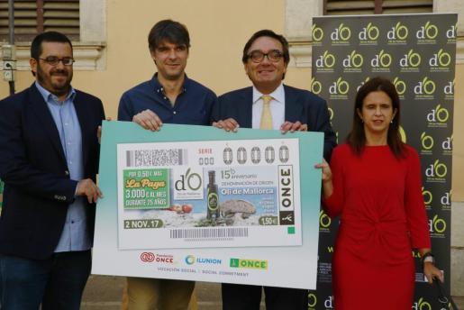 Momento de la presentación del cupón 15 aniversario de la Do Oli de Mallorca.