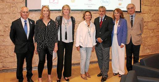 Joan Torrecabota, Lina Pons, María Jesús Pla, Bel Amer, Hernán Gioseffi, Marga Torres y Macià Tomàs.