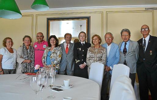 Asun Ripoll, Margarita Vidal, Andrés Castaño, Catalina Font, George Ferrara, Noemí Galmés, Lola Pujadas, Pedro Mir, Santiago Peña y Pedro Pons.