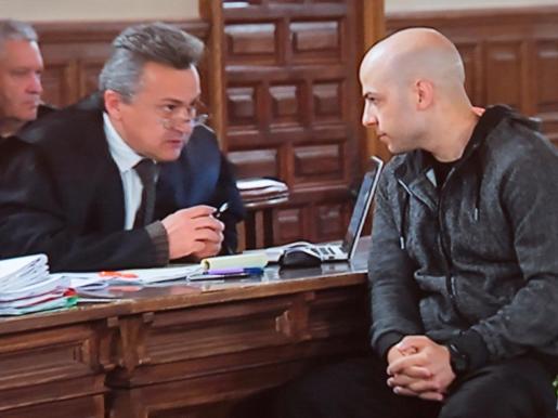 Imagen tomada del monitor de la sala de prensa de la Audiencia Provincial de Cuenca, durante la segunda jornada del juicio contra Sergio Morate.