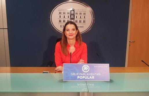 Margalida Prohens, durante la rueda de prensa que ha ofrecido este lunes.