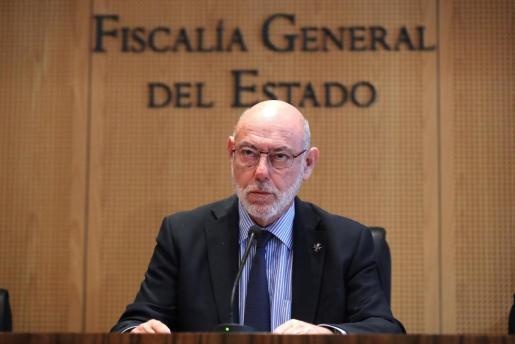 El fiscal general del Estado, José Manuel Maza, durante la rueda de prensa en la que ha anunciado que la Fiscalía se ha querellado contra el expresident catalán Carles Puigdemont y el resto del Govern, y contra los miembros de la Mesa.