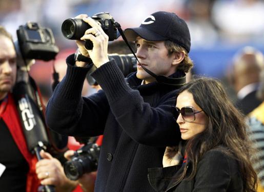 La inseparable pareja formada por Aston Kutcher y Demi Moore no quisieron perderse la cita.
