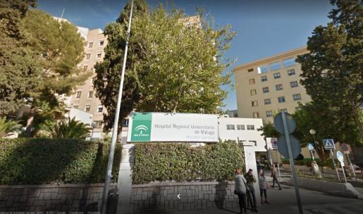 El conocido actor y humorista está ingresado en un hospital de la capital malagueña.