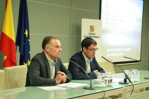Llorenç Pou y Iago Negueruela en rueda de prensa.