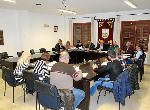 Imagen de archivo de una sesión plenaria en el Ajuntament de Santa Margalida.