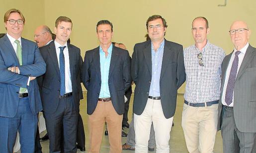 Luis Turell, Luis Montes, Eugenio Molina, Raimundo Montes, Eduardo Rodríguez y Tomás Garrido.
