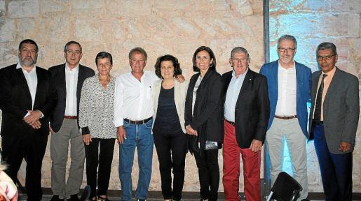 Jesús Jurado, Carles Simarro, Carmen Serra, Antoni Mesquida, Fina Santiago, Paula Serra, Joan Albertí, Luis Maraver y Lino Salas.