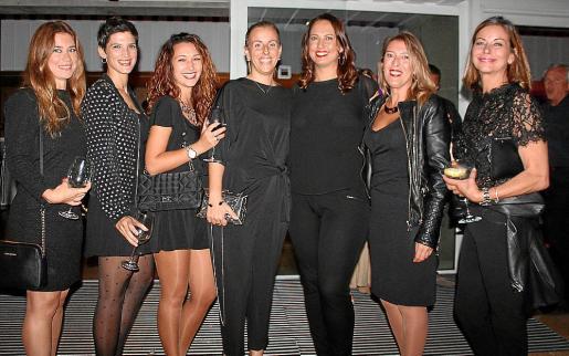 Belén Campanutto, María Ferraz, Ioana Antal, Cata Riutort, la directora de OD Portals, Mar Soler; María Navalón e Isabel Hernández.