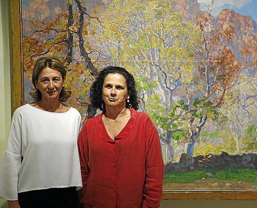 Margarita Pérez Villegas, directora de CaixaFòrum, y Silvia Pizarro, nieta del pintor.