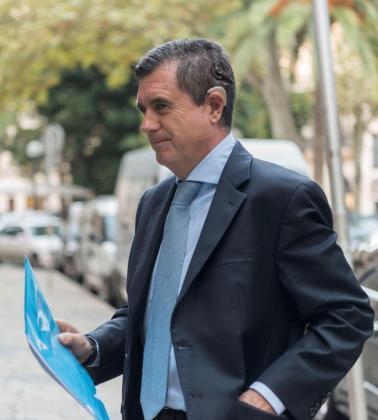 El expresidente del Govern balear Jaume Matas, a su llegada a la Audiencia de Palma.
