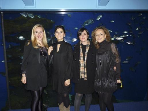 Leticia Lope, las violinistas Gina Nicola y Paula Marqués, y Mónica Garau.