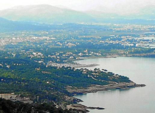 El BOIB daba cuenta ayer del acuerdo de la Comissió de Medi Ambient de archivar el expediente de la urbanización, situada en una zona paisajísticamente sensible junto al mar.