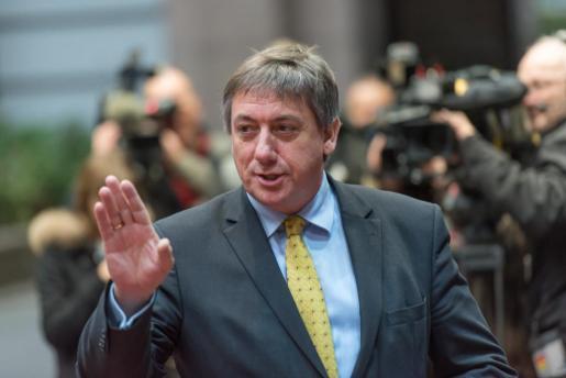 El ministro de Interior belga, Jam Jambon, llamado al orden por pronunciarse sobre Puigdemont.