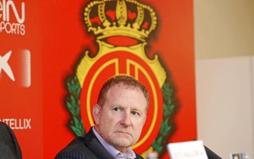 El norteamericano Robert Sarver, máximo accionista del Mallorca, en la sala de prensa de Son Moix.