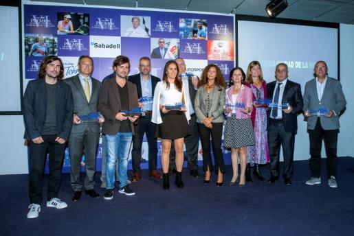 Foto de familia de los galardonados con los VI Premios Ciudad de la Raqueta y IV Premios Maria Villota entregados hoy en la Ciudad de la Raqueta, en Madrid.