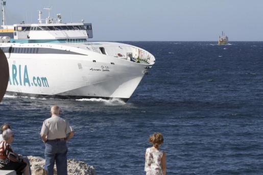 Ante situaciones marítimas complicadas este tipo de embarcaciones suelen alterar sus rutas.