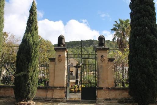Imagen del cementerio de Bunyola.