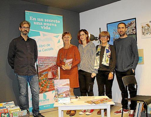 José Saez, Joana Castells, María del Mar Alós, Catalina Munar y Charlie.