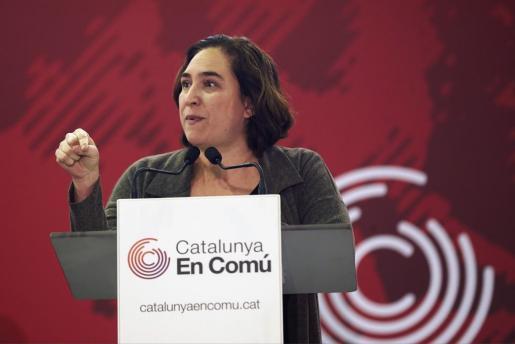 La alcaldesa de Barcelona, Ada Colau, interviene durante la asamblea de Catalunya en Comú.