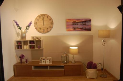 Deco Living es una atractiva y céntrica tienda de muebles de diseño muy actuales.