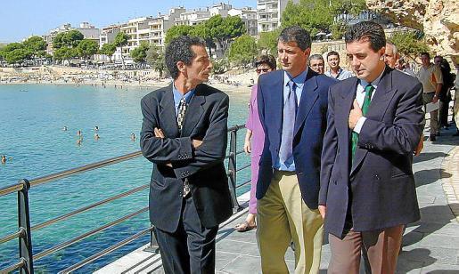 Jaume Brunet, Miquel Riera y Jaume Matas en la inauguración del paseo..