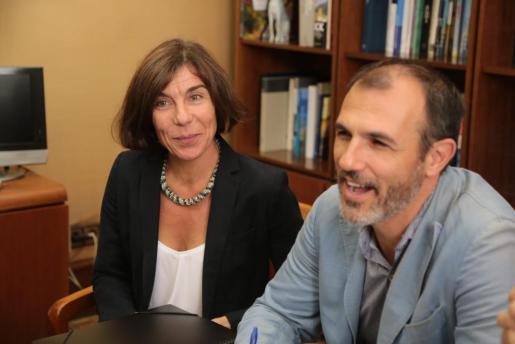 Pilar Carbonell y Biel Barceló, en una imagen de archivo.