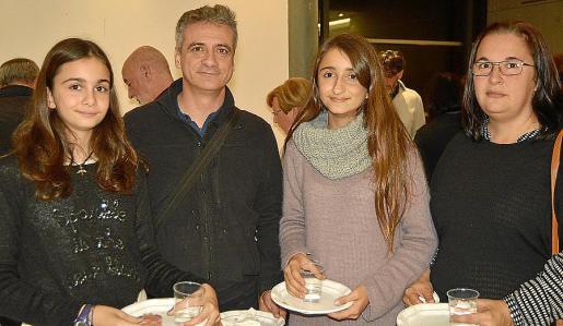 Àngela Francia, Santiago Francia, Paula Francia y Esther Barceló.